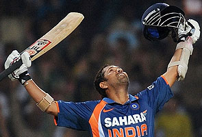 http://www.ndtv.com/common/big_story/images/Sachin_200home.jpg