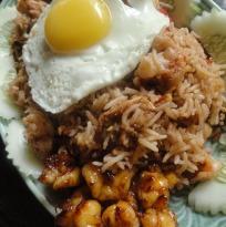 Khao Klukh Krapi (Rice with Shrimp Paste)