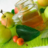 Apple Cider Vinegar: One Stop Shop for Hair and Skin Problems