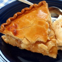 Apple Pie with Raisin Relish