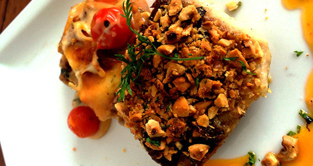 Recipe of Baked Nut Crusted Halibut