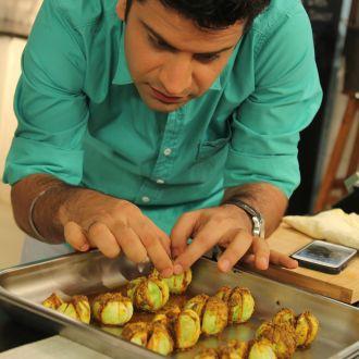 Bharwan Tinda with Tomato Sauce