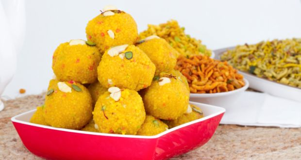 Boondi ke ladoo laddu recipe by niru gupta ndtv food boondi ke ladoo boondi ke laddu is a very famous indian dessert usually made during festive times like diwali or at indian weddings forumfinder Gallery