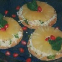 Cheese and Pineapple Rounds Recipe