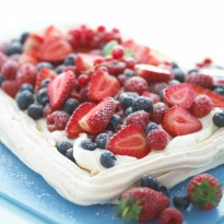 Fresh Fruit Pavlova Recipe