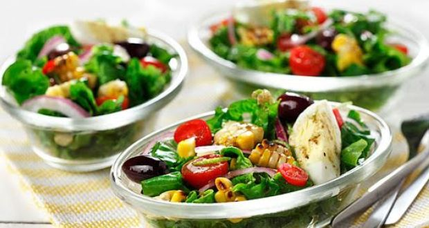 Recipe of Grilled Corn and Tomato Salad