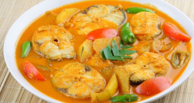 Ilish Machher Jhol (Hilsa Fish Curry)