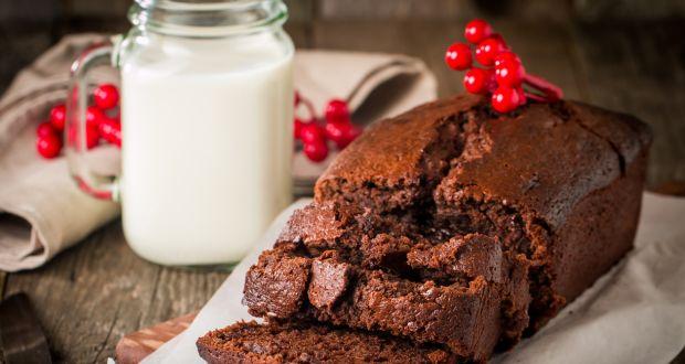 Sugar-free Chocolate and Fruit Cake