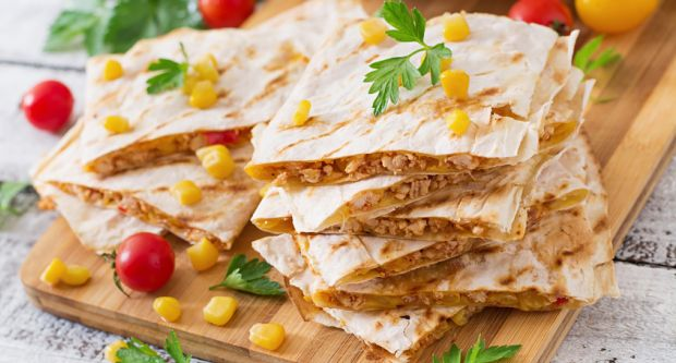 Chicken quesadillas recipe by divya burman ndtv food chicken quesadillas forumfinder Gallery