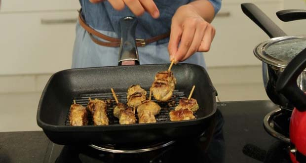 Recipe of Lamb Skewers with Yogurt Dip