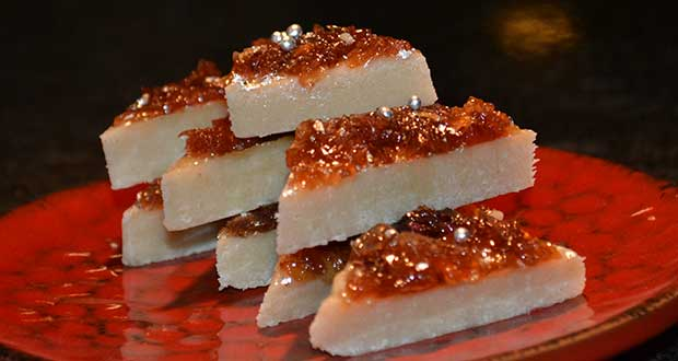 Recipe of Lauki Gulkand Barfi