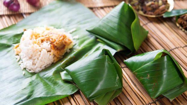 Machcha Patropoda (Fish Wrapped in Banana Leaf)