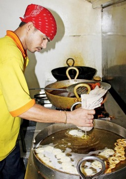 making-jalebis_article.jpg