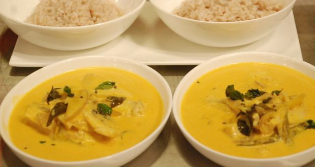 Meen Moilee with Steamed Rice