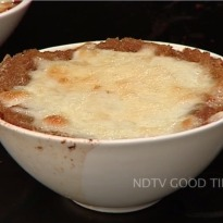 French Onion Soup with  Mozzarella Cheese