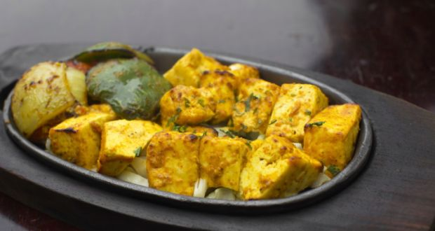 Paneer tikka recipe by aditya bal ndtv food every lavish indian dinner party is sure to have some tikkas paneer capsicum and onions marinated in a yogurt based marinade skewered and grilled till forumfinder Images