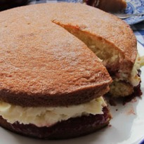 How to make the perfect Victoria sponge cake