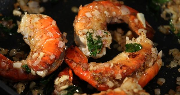 Recipe of Pickle Prawn Chilly (My yellow Table)