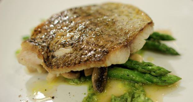 Red Snapper With Pesto Asparagus