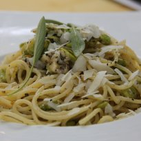 Recipe of Spaghetti with Broad Beans and Pecorino