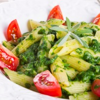 Whole Wheat Pasta in Spinach Sauce