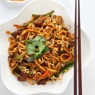 Recipe of Stir Fry Udon Noodle with Black Pepper Sauce
