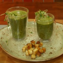 Recipe of Spiced Spinach Soup with Cottage Cheese Croutons