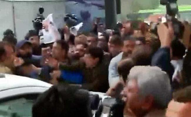 Protests at BJP Office in Delhi, Police Called In