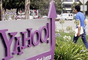 Yahoo hires chief revenue officer to spur ad sales