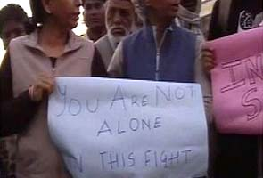 Delhi gang-rape survivor Amanat no longer on ventilator, concerns about infection
