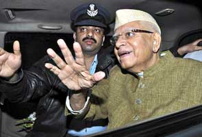 At ND Tiwari's home, blood sample collected under pressure