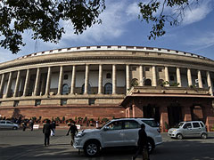 Lok Sabha Mourns Death of Seven Indian Air Force Personnel in Chopper Crash