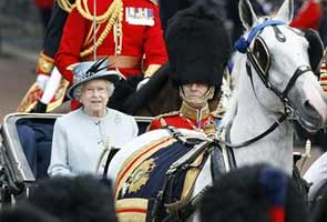 Queen Elizabeth's 60th anniversary party gets under way