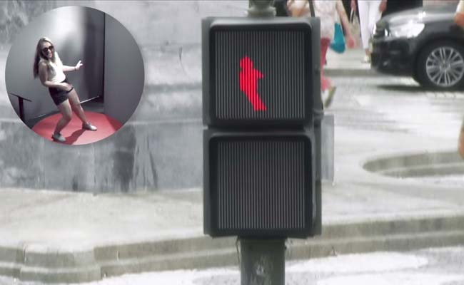 Here's How This Ridiculously Fun 'Dancing Traffic Light' is Saving Lives