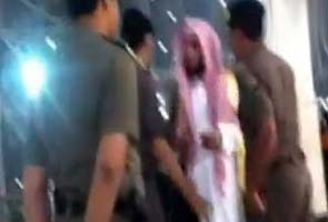 Watch: Saudi woman confronts religious police over painted nails