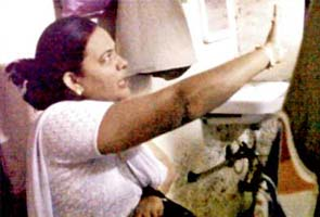 Drunk woman ticket collector abuses commuters