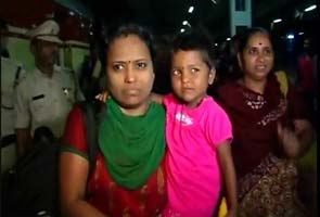 Three-year-old girl, kidnapped from Mumbai station, returns home