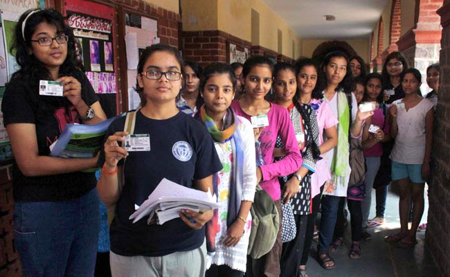 Thousands Vote in Delhi University, JNU Students Elections