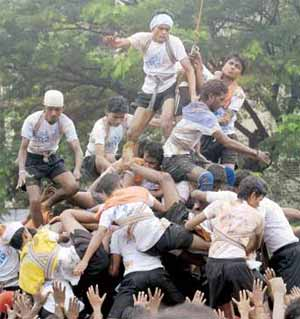 Mumbai's Govindas injured in the line of duty