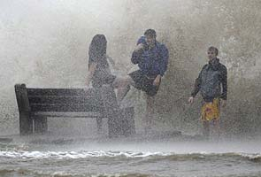 Hurricane Isaac makes landfall in Louisiana, over 200,000 homes without power