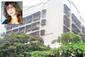 Laila Khan case: Forensics team hunts for fingerprints at her flat
