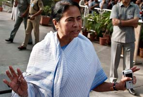 Congress strikes peace with Pawar, but Mamata goes on offensive