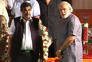 Gujarat assembly polls: Nitin Gadkari campaigns for Narendra Modi