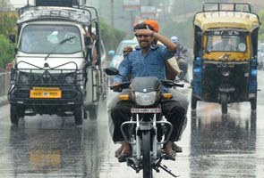 Heavy rains lash Delhi, waterlogging in many places
