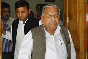 Mulayam Singh Yadav pulls up son Akhilesh Yadav's government