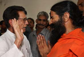 Congress hasn't yet agreed to meet Baba Ramdev, but everyone else is