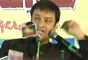 Hate speech row: Akbaruddin Owaisi to surrender, announces his brother at rally