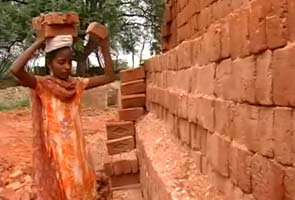 Here's how you can help the teen who carries 1000 bricks for just Rs 100