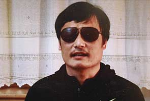 Chinese censors block news on blind activist's escape