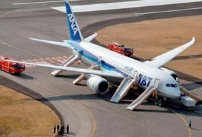 Boeing plans to carry on with 787 Dreamliner production